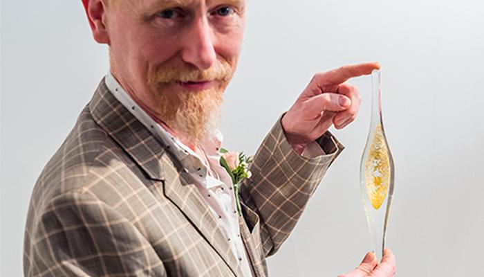 Stuart Akroyd, contemporary glassmaker